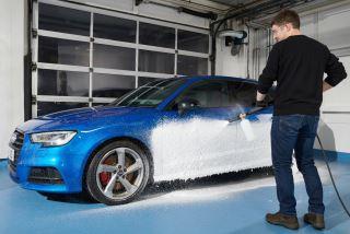 Umývanie auta wapkou a produktami autoglym